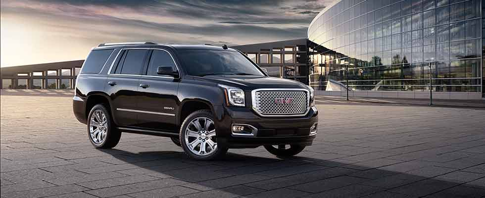 The 2015 Yukon full size SUV displays style and confidence
